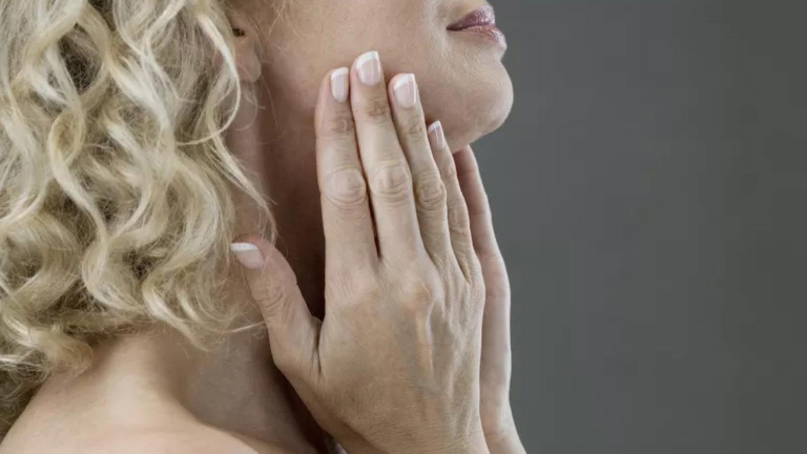 تمرینات فک برای درمان اختلال بلع
