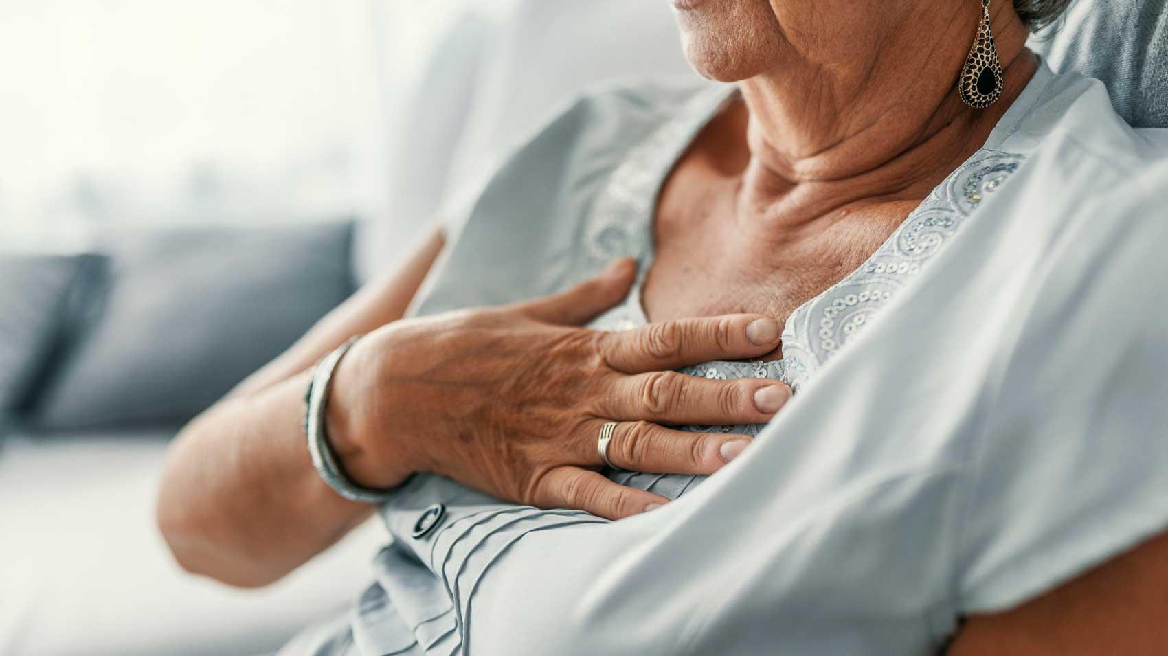 علت درد در قفسه سینه در هنگام بلع چیست؟