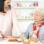 10 دلیل کاهش اشتهای سالمندان