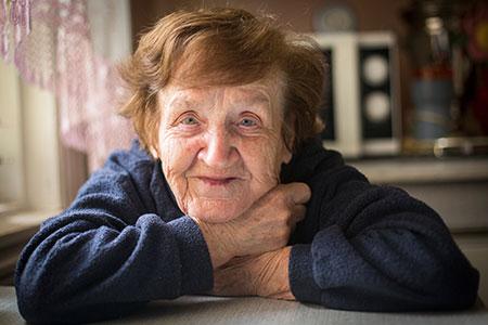 کمک به سالمندان با کاردرمانی